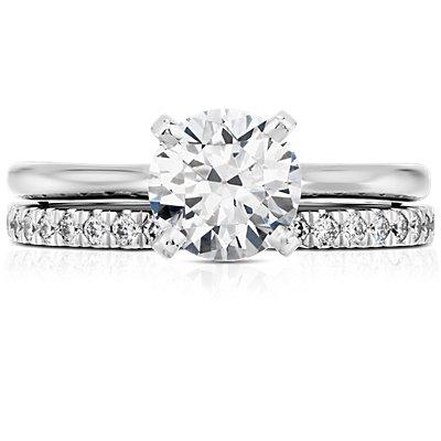 Anillo de pavé de diamantes pequeño en oro blanco de 18k (1/3 qt. total)