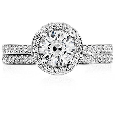 Pavé Diamond Ring in 18k White Gold (1/6 ct. tw.)