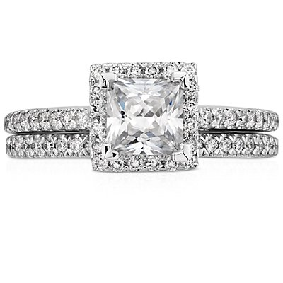 Pavé Diamond Wedding Ring in 14k White Gold (1/6 ct. tw.)