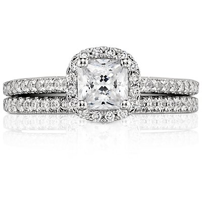 Pavé Wedding Ring in Platinum (1/6 ct. tw.)