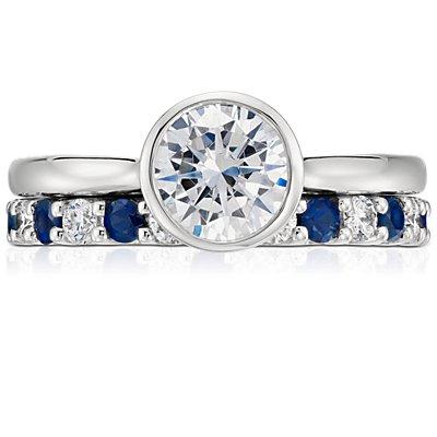 Bague d'éternité en saphir bleu et diamant en platine (1carat, poids total)