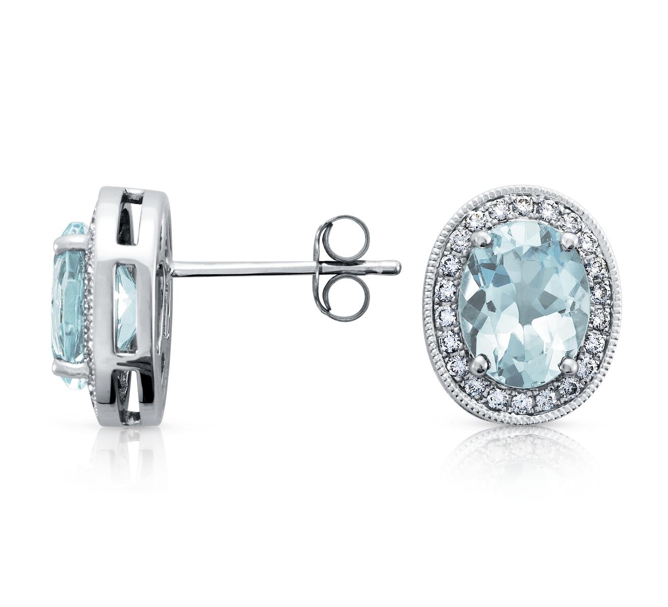 Aquamarine and Diamond Earring in 18k White Gold (8x6mm)