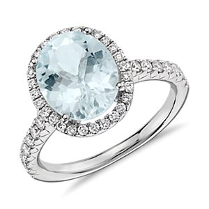Aquamarine and Diamond Ring in 18k White Gold (10x8mm)