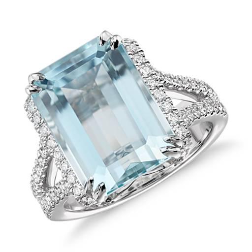 NEW Aquamarine and Pavé Diamond Ring in 18k White Gold (7.15 ct center)