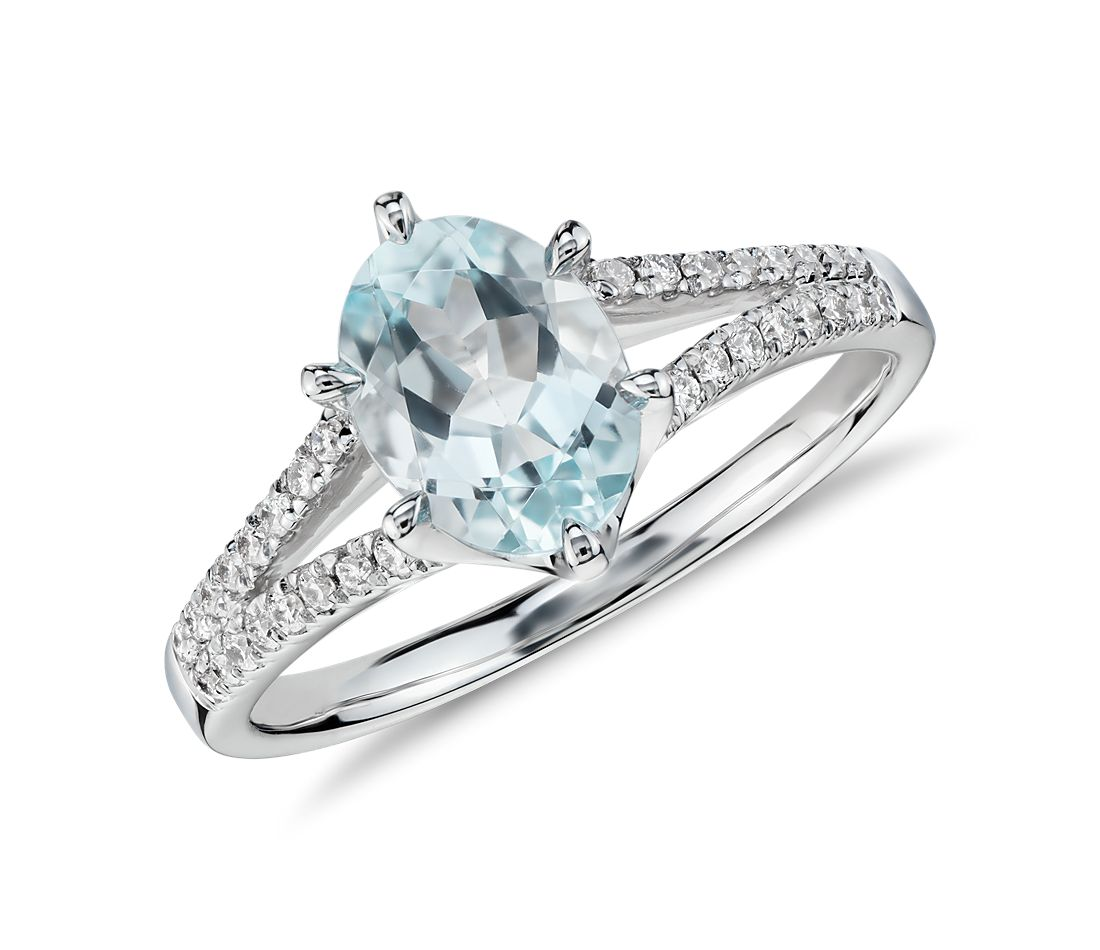 aquamarine and split shank ring in 14k white gold