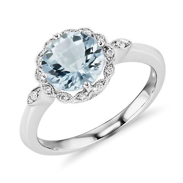 NEW Aquamarine and Diamond Milgrain Halo Ring in Or blanc 14carats (8mm)