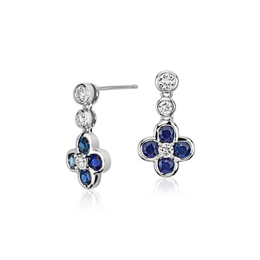 Pendant d'oreille floral diamant et saphir bleu, Blue Nile Studio Something Blue en or blanc 18 carats (2,7 mm)
