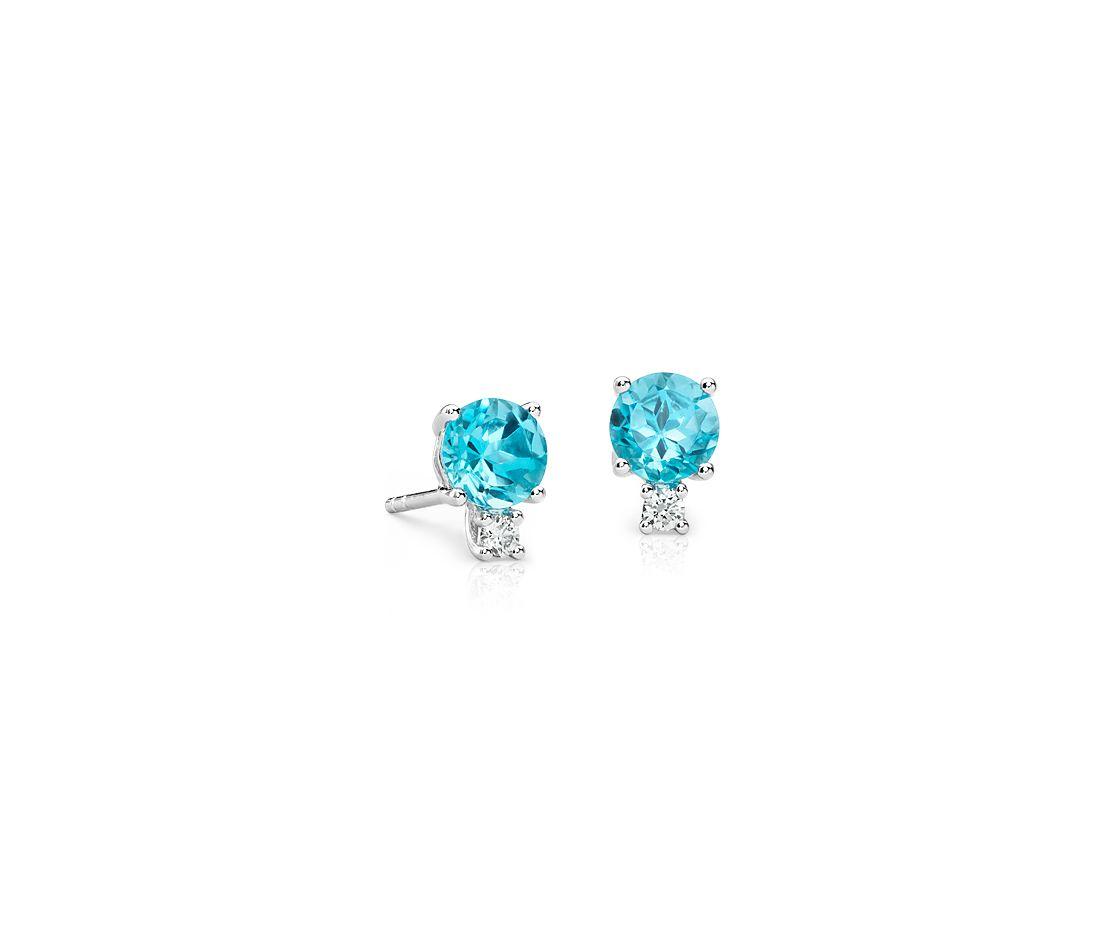 Blue Topaz and Diamond Stud Earrings in 18k White Gold (5mm)