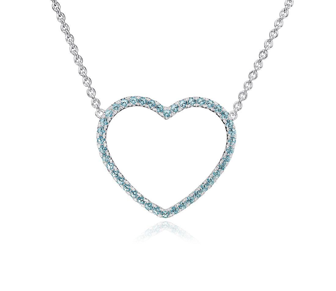 Colgante con forma de corazón de topacio azul en plata de ley