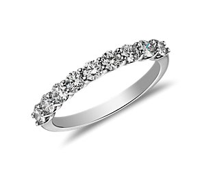 Belle Classic Diamond Ring in Platinum (3/4 ct. tw.)