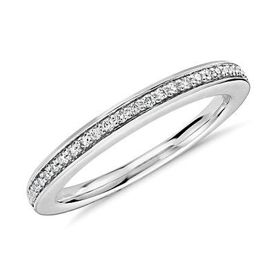 Anillo con pavé de diamantes de Colin Cowie en platino (1/10 qt. total)