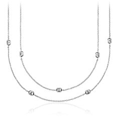 Fantaisies avec le collier en diamants taille coussin Yard en Or blanc 18 ct (152,4 cm de long)