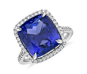 Tanzanite and Micropavé Diamond Ring in 18k White Gold (7.88 ct)