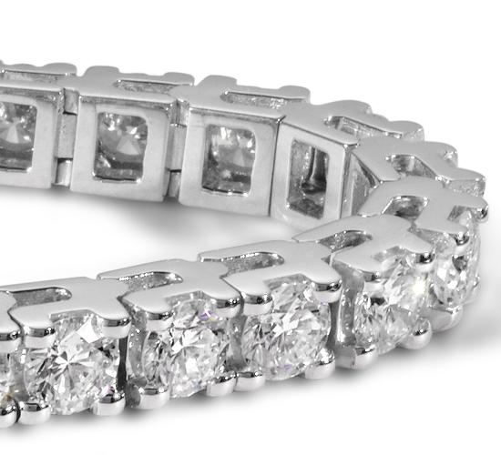 Diamond Tennis Bracelet in 18k White Gold (8 ct. tw.)