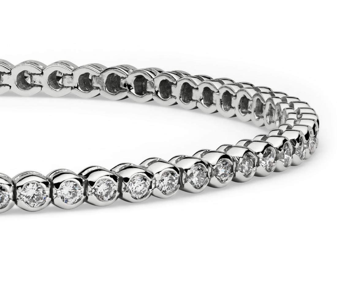 Brazalete de diamantes con bisel de diamantes en oro blanco de 14k (2 qt. total)