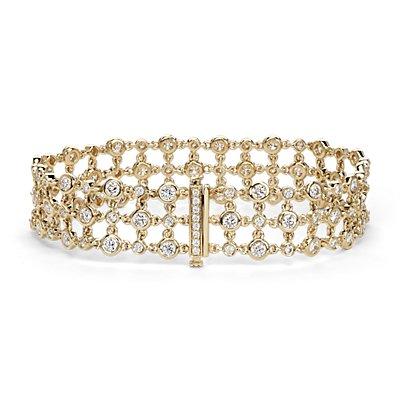 Brazalete triple de diamante con motivo floral de Studio de Blue Nile en oro amarillo de 18k (5 qt. total)