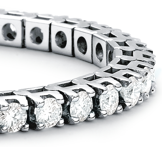 Bracelet diamants d'éternité en or blanc 18 carats (5 carats, poids total)