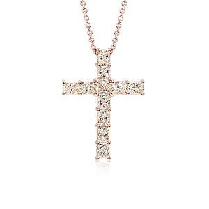 Colgante de cruz con diamantes y talla esmeralda en oro rosado de 18k (3 1/2 qt. total)