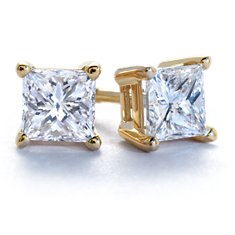 Four-Prong Earrings in 18k Gold