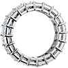 Anillo de eternidad de diamantes de talla esmeralda en platino (9,41 qt. total)