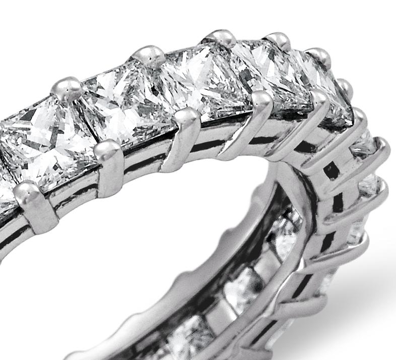 Bague d'éternité diamant taille princesse en platine (3carats, poids total)