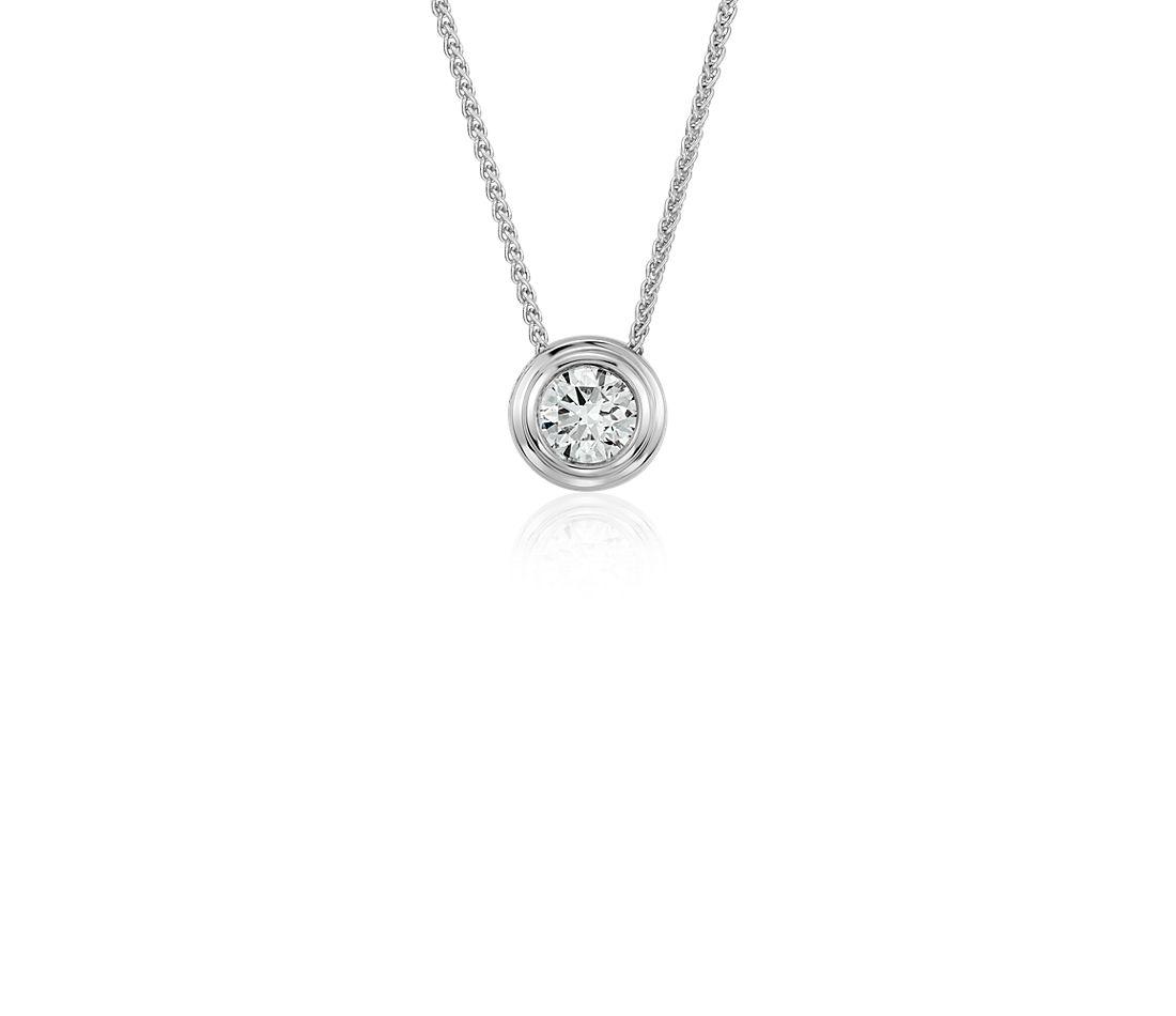 Pendentif solitaire diamant clos en or blanc 18carats (3/8carats, poids total)