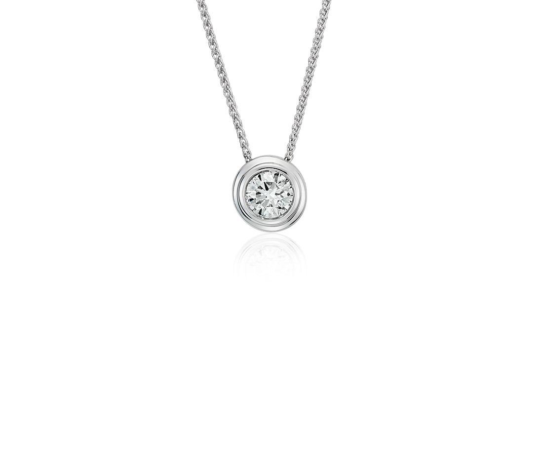 Colgante de diamante solitario en bisel en oro blanco de 18k (5/8 qt. total)