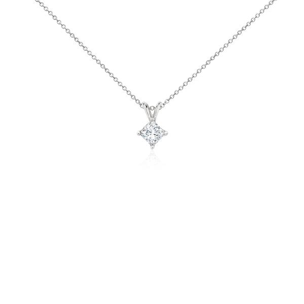 Pendentifs diamant taille princesse en platine (3/4carat, poids total)