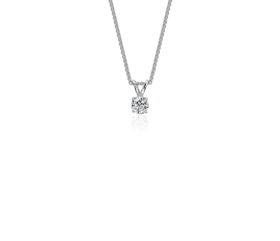 Colgante de diamante solitario en oro blanco de 18 k (1/5 qt. total)