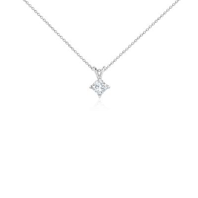 Colgante con diamante solitario de talla princesa en oro blanco de 18k (1 qt. total)