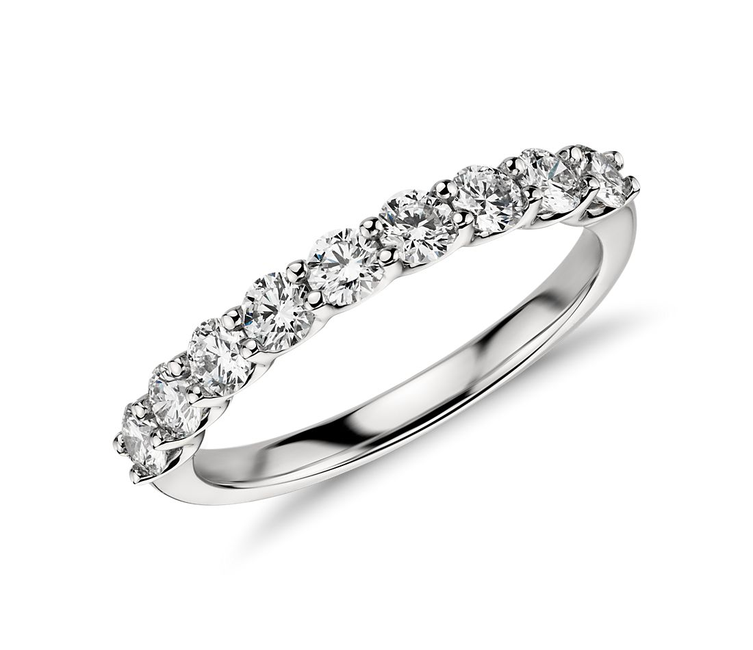 Belle Classic Diamond Ring in Platinum