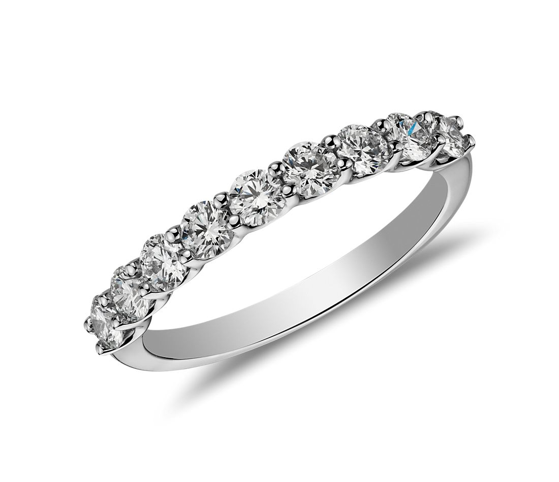 Bella Classic Diamond Ring in Platinum