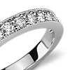 Anillo con diseño milgrain y pavé de diamantes en platino (1/4 qt. total)
