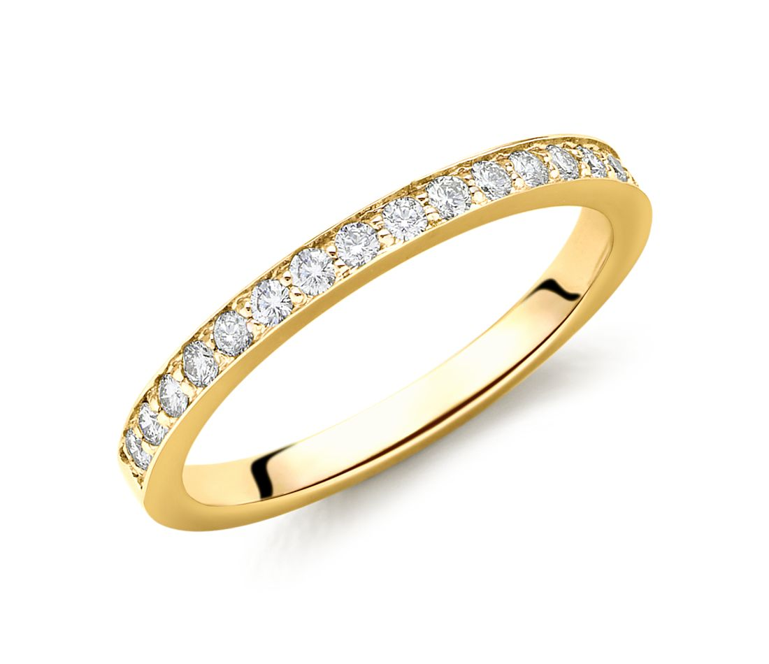 Cathedral Pavé Diamond Ring in 18k Gold