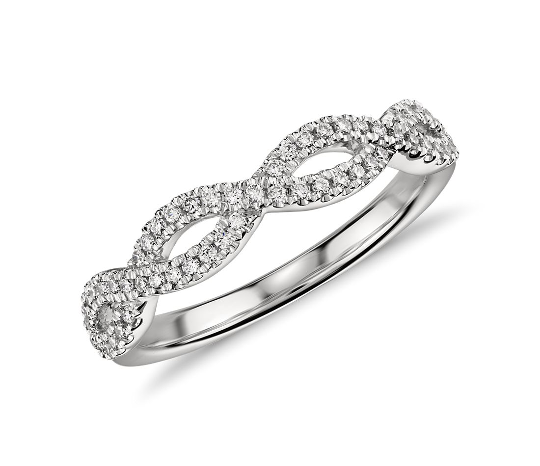 Infinity Twist Micropavé Diamond Wedding Ring in Platinum (1/5 ct. tw.)