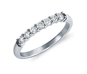 Classic Diamond Ring in 18k White Gold (1/3 ct. tw.)