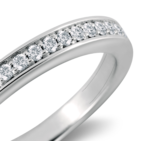大教堂密釘鑽石 18k 白金戒指( 1/5 克拉總重量)