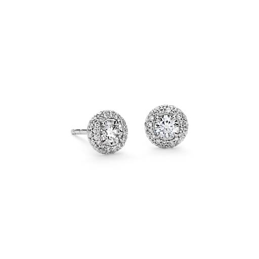 Aretes de diamantes con halo abovedado en oro blanco de 18 k (3/4 qt. total)