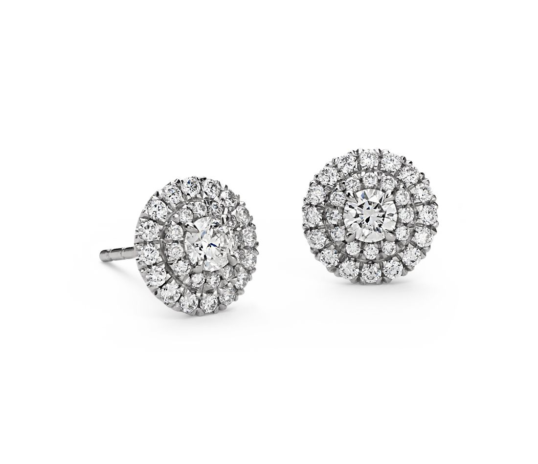 Aretes de diamantes de doble halo en oro blanco de 18 k (3/4 qt. total)