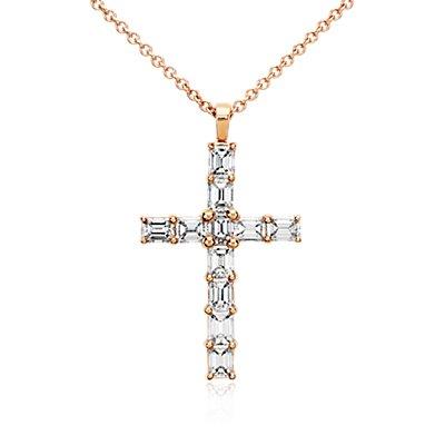Pendentif croix en diamant taille émeraude en or rose 18carats (2carats, poids total)