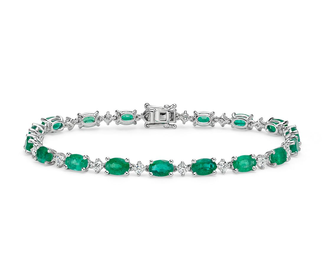 emerald and diamond bracelet in 18k white gold 6x4mm