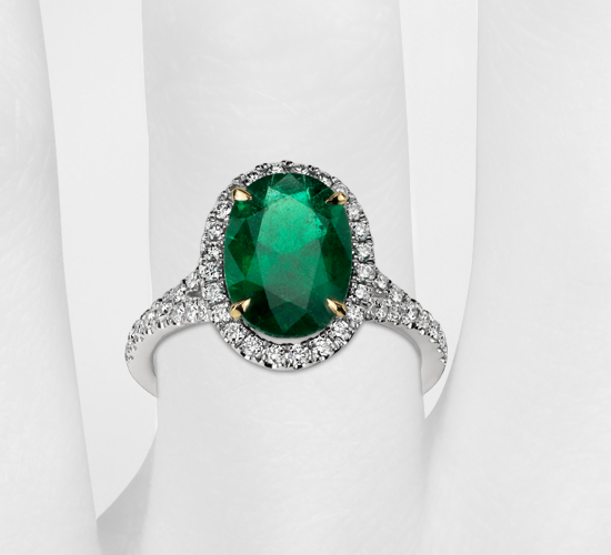 Oval Emerald and Diamond Ring in Platinum (3.01 cts)