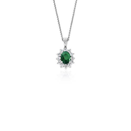 Colgante de diamante y esmeralda en oro blanco de 18k (8x6mm)