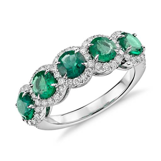Emerald with Diamond Five-Stone Halo Ring in Or blanc 18 carats