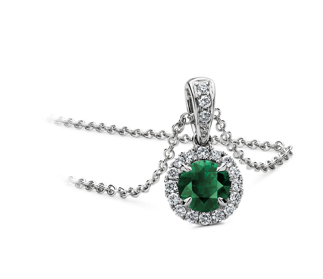 Emerald and Micropavé  Diamond Pendant in 18k White Gold (5mm)
