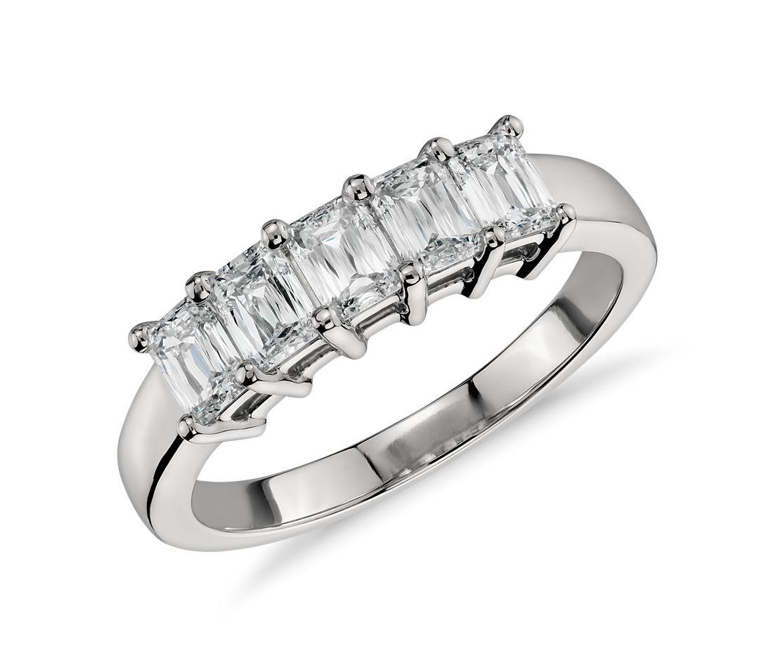 Bague à cinq diamants taille émeraude en platine (1carat, poids total)