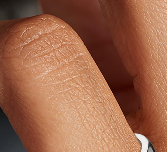 Bague à cinq diamants taille émeraude classique en platine (1,50carats, poids total)
