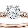 Anillo de compromiso estilo pavé francés de diamantes en oro rosado de 14k (1/4 qt. total)