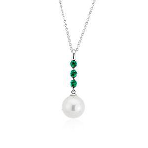 NUEVO. Colgante en forma de gota con perla cultivada de agua dulce y esmeraldas, en oro blanco de 14 k (8mm)