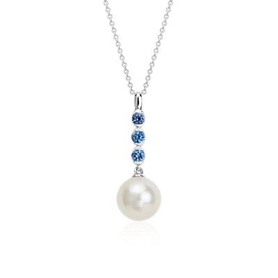 Colgante de perlas cultivadas de agua dulce y zafiro en oro blanco de 14 k (8mm)
